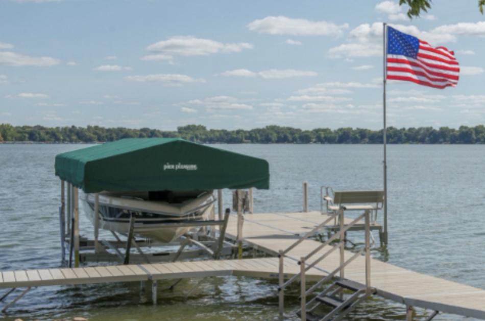 Flagpole Mounting Bracket for Docks